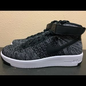 Nike Air Force 1 Ultra Flyknit Mid Oreo Size 10
